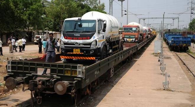 Covid-19 | Second 'oxygen express' reaches Delhi, third on its way, says Railways