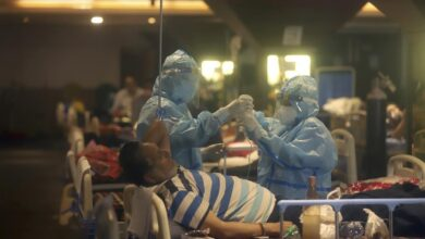 'Horrible' weeks ahead as India's virus catastrophe worsens