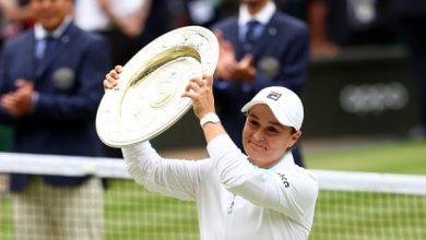 Ashleigh Barty battles past Karolina Pliskova to clinch first Wimbledon title