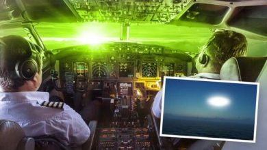 """Pilots of two jets reported """"bright, green UFO"""""""