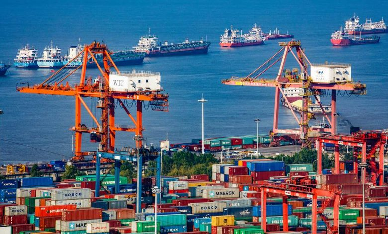 China's service trade deficit narrows sharply in H1