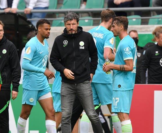 Bitter mistake by Wolfsburg coach Mark van Bommel