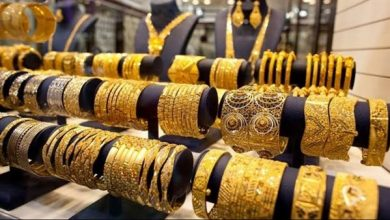 The price of one gram of 24 karat gold reached about 894 pounds, while the most prevalent 21 karat price was about 782 pounds per gram of gold.